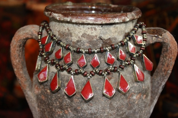 (AN520) Tribal Afghan Red Glass Necklace