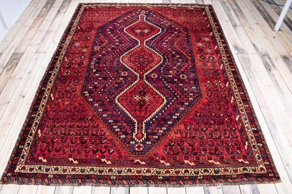 10038 Oriental Persian Shiraz Carpet 206x282cm (6.9 x 9.3ft)