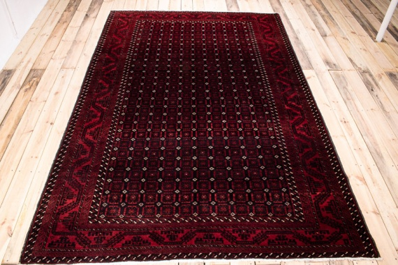 10218 Large Persian Baluch Carpet 191x296cm (6.3 x 9.8½ft)