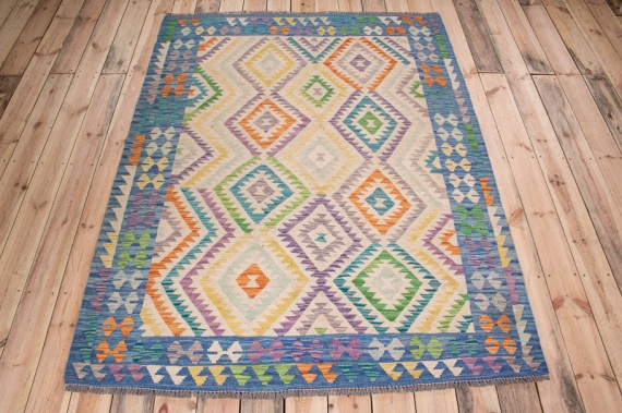 10559 Afghan Kilim Rug - Vegetable Dyed 153x199cm (5 x 6.6ft)