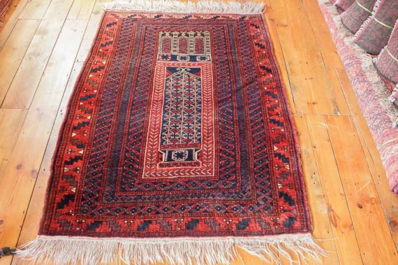8237 Semi Antique Persian Baluch Prayer Rug 107x144cm