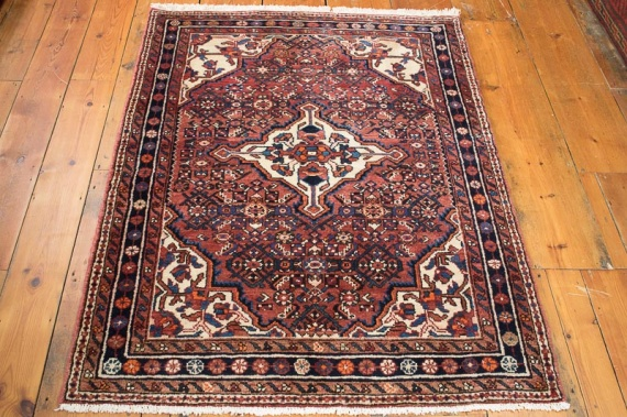 8342 Persian Hosseinabad Rug 109x145cm (3.7 x 4.9ft)