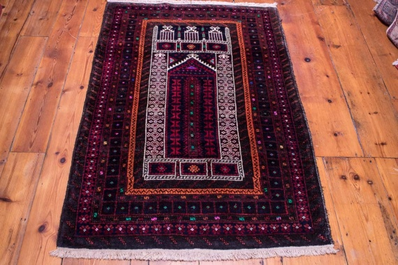 9040 Persian Baluch Vintage Rug 96x143cm