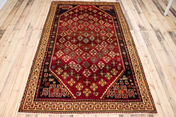 9697 Persian Qashqai Carpet 160x271cm (5.3 x 8.10½ft)