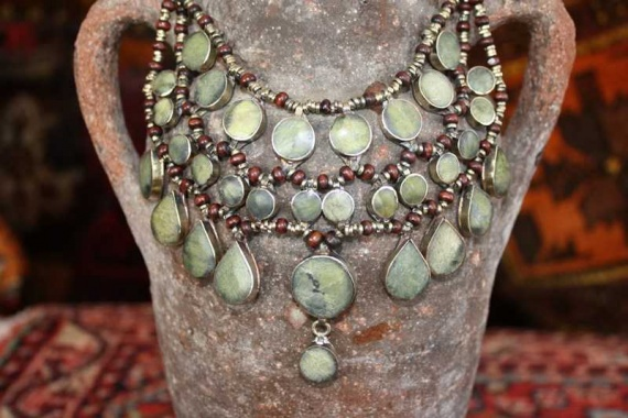(AN521) Tribal Afghan Semi-Precious Serpentine Necklace