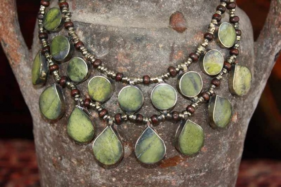 (AN523) Tribal Afghan Semi-Precious Serpentine Necklace