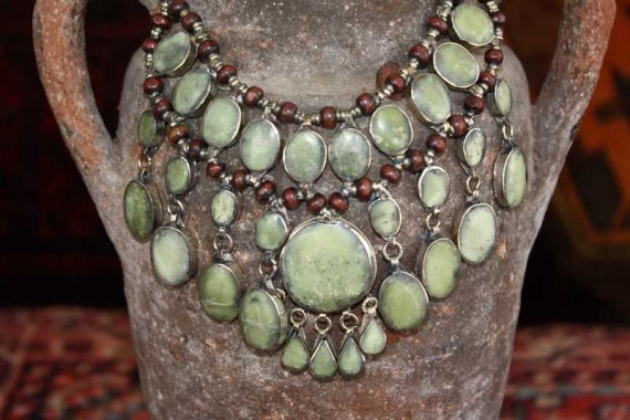 (AN526) Tribal Afghan Semi-Precious Serpentine Necklace