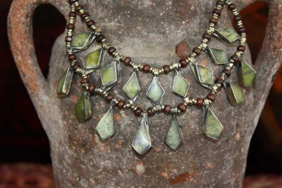 (AN527) Tribal Afghan Semi-Precious Serpentine Necklace