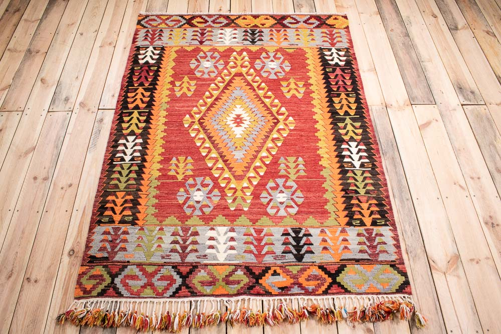 10762 Vintage Turkish Cal Kilim Rug 127x178cm (4.2 x 5.10ft)