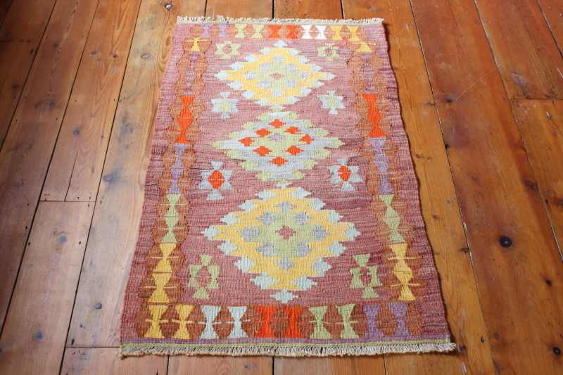 Turkish Kilim Rug From Isparta Measuring 70x110cm