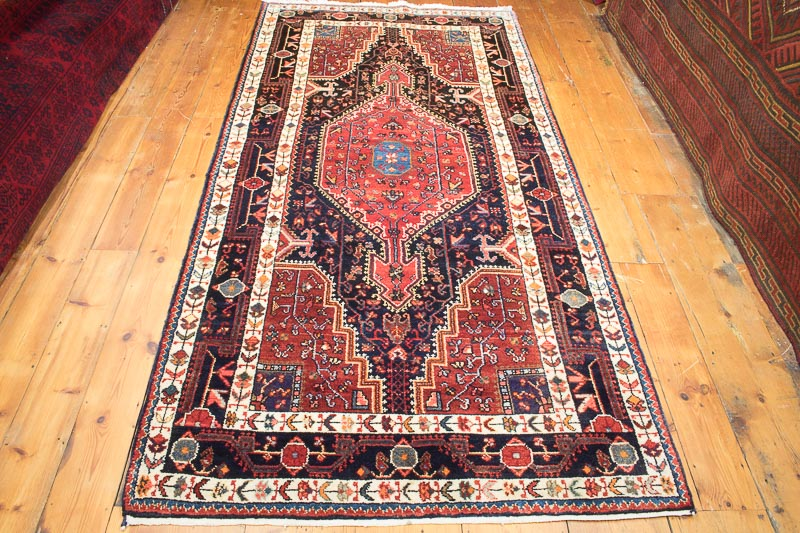8303 Persian Toserkan Rug 124x255cm (4.0½ x 8.4½ft)