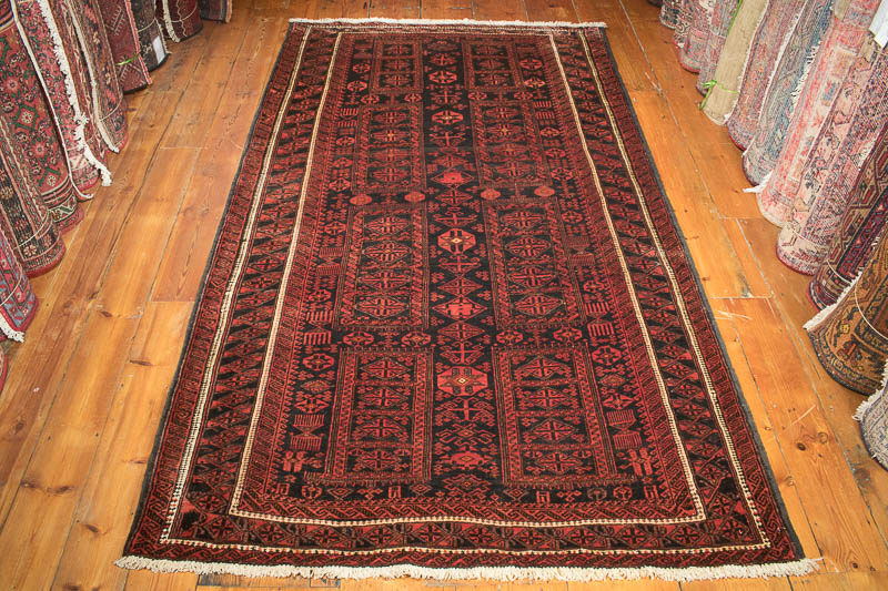 8621 Persian Baluch Rug 138.5x236cm (4.6½ x 7.9ft)